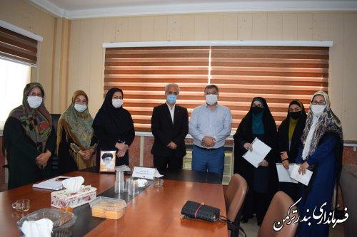 تجلیل سرپرست فرمانداری ترکمن از نویسندگان زن شهرستان