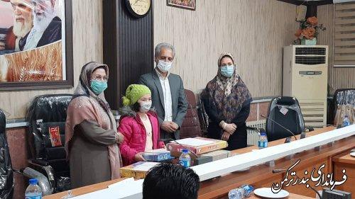 از برگزیدگان مسابقه مجازی پویش کتاب و کارآفرینی شهرستان ترکمن تجلیل شد