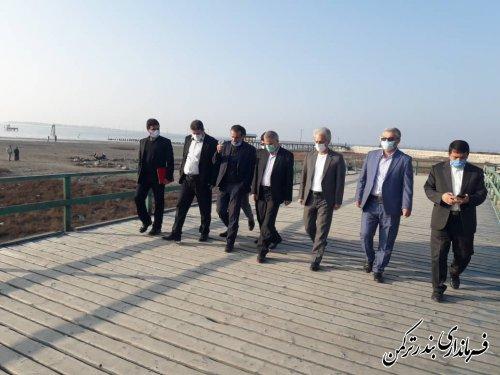 بازدید فرماندار از جاده سلامت و ساحل شهرستان ترکمن