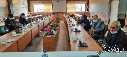 بررسی مسائل و مشکلات ورزشکاران شهرستان ترکمن