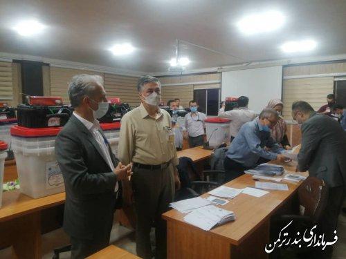 صندوق های اخذ رای شهرستان ترکمن به نمایندگان فرماندار تحویل داده شد