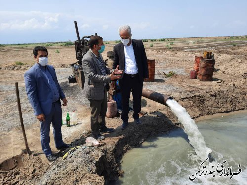 بازدید فرماندار از چاه جایگزین شماره شش مجتمع آب شیرین کن شهرستان ترکمن