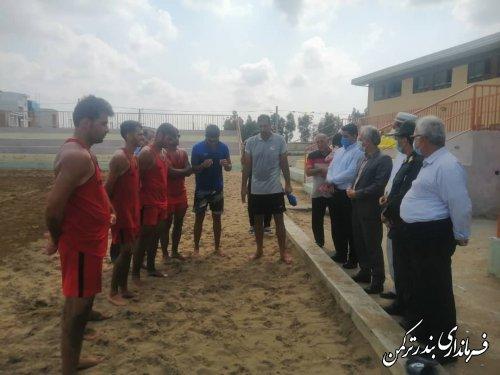 بازدید فرماندار ترکمن از تمرینات اردوی تیم ملی والیبال ساحلی ناشنوایان کشور به میزبانی بندرترکمن